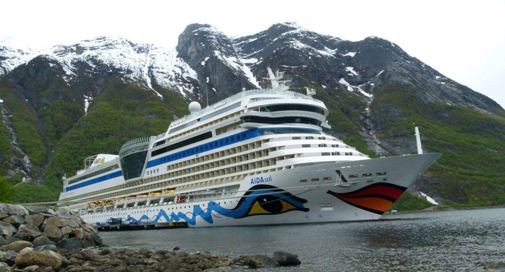 Norwegen Kreuzfahrt AIDAsol im Eidfjord