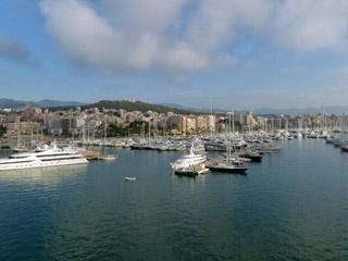 AIDAblu - Auslaufen aus Palma Stadt