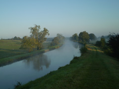 Wunderbare Landschaften am Loire-Seitenkanal